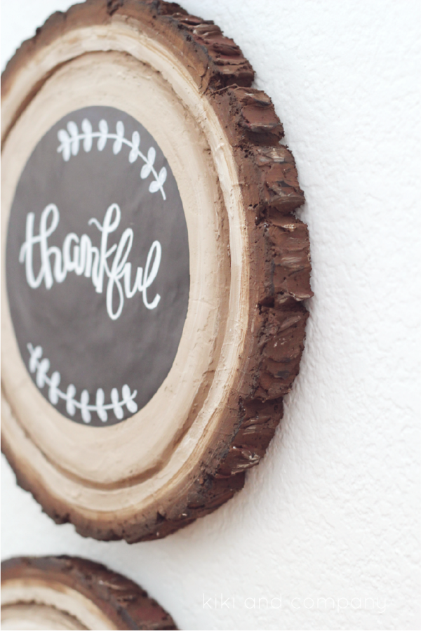 DIY Wood Slice Chalkboard Sign. Fun project to make!