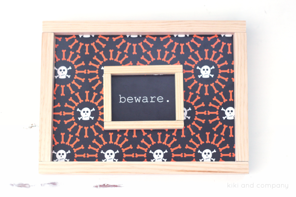 Free Printable Halloween Signs from kiki and company. Cute.