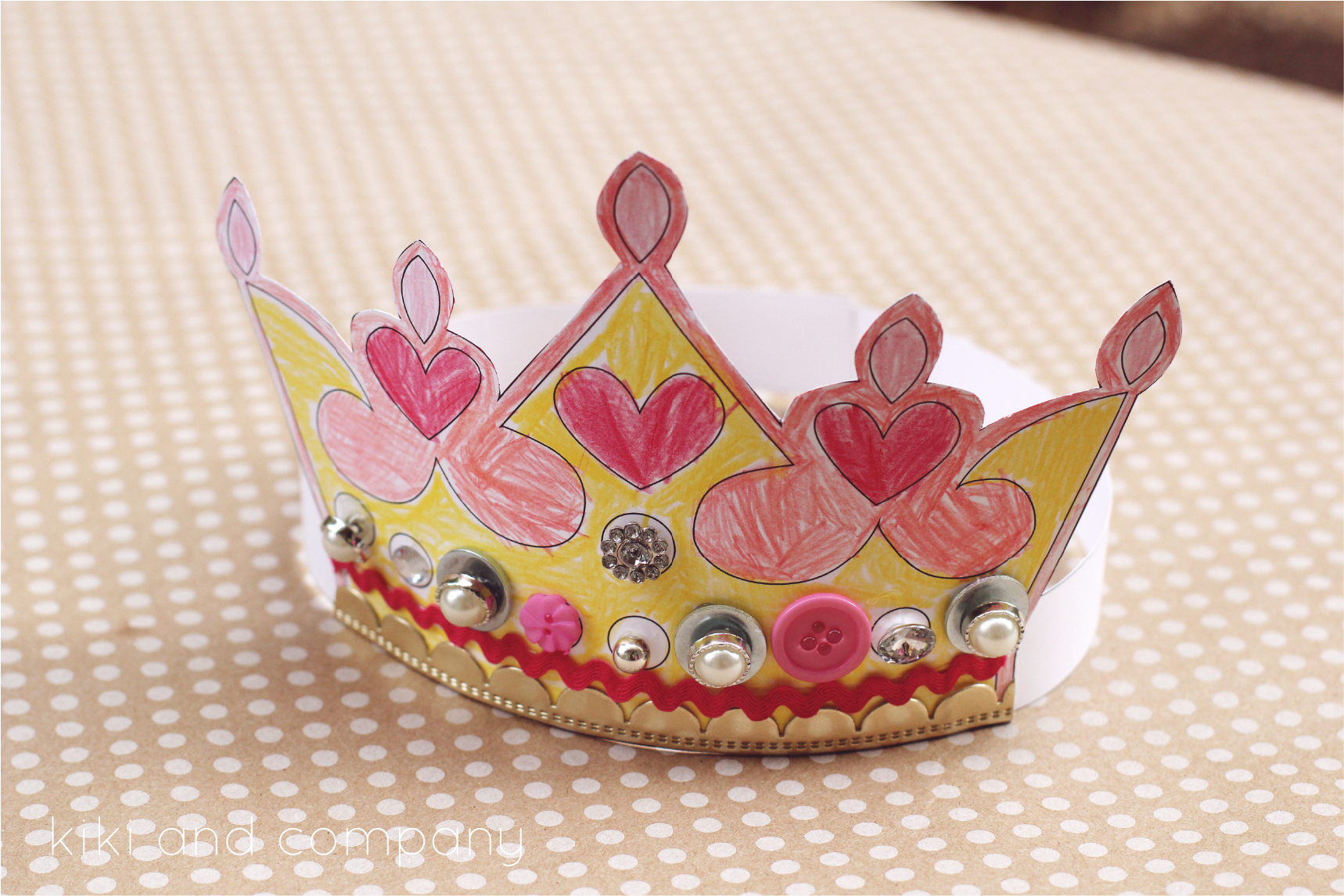 Printable Kings and Queens crown {Free Printable} - The Crafting ...