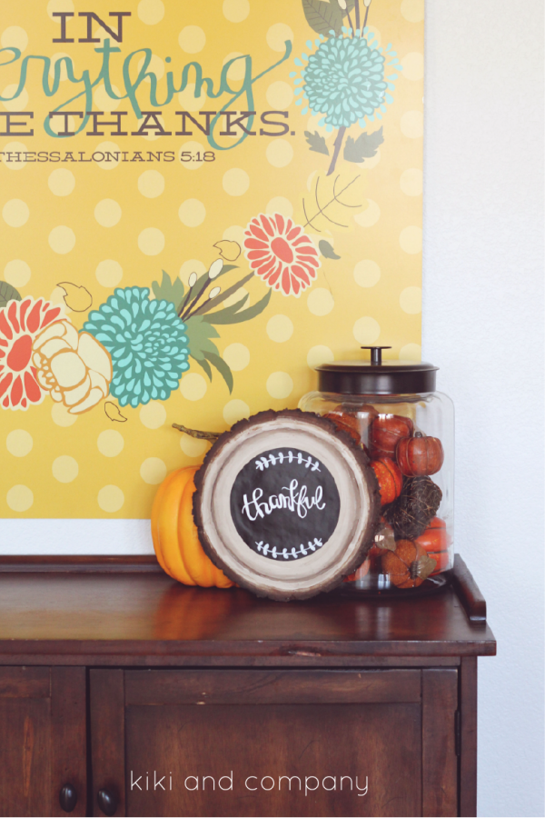 DIY Wood Slice Chalkboard Sign from kiki and company. CUTE!