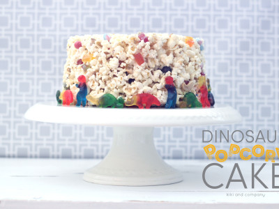 Dinosaur Popcorn Cake at kiki and company. yum!